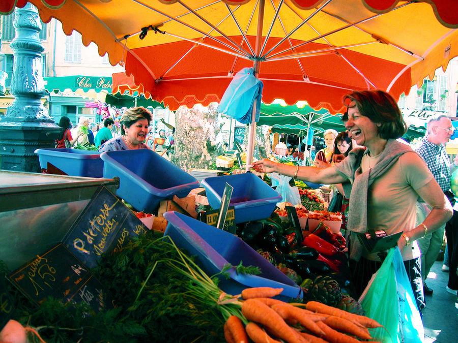 Place Richelme produce market, Aix-en-Provence, France