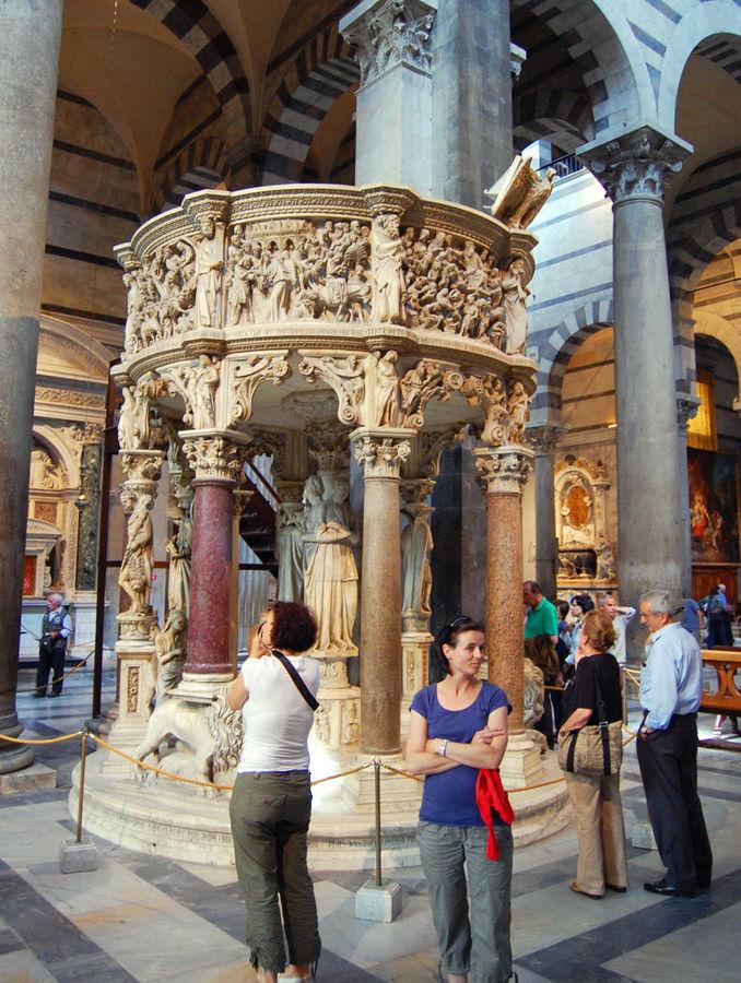 Duomo pulpit, Pisa, Italy