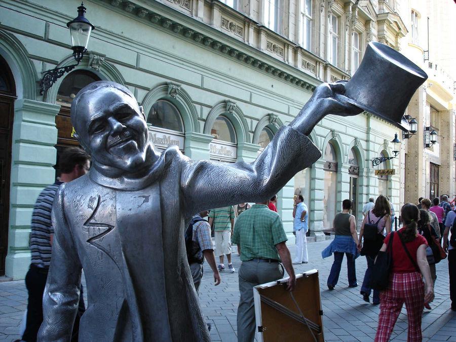 Schöner Náci statue in Bratislava, Slovakia