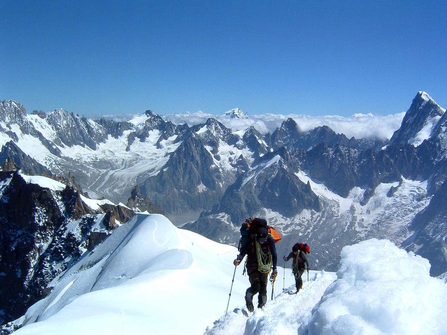 Aiguille du Midi climbers, Chamonix, France