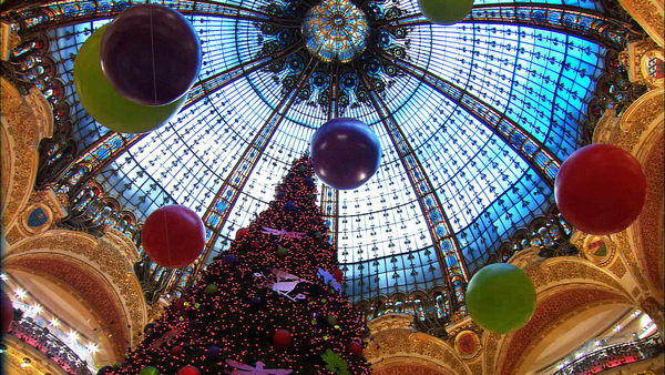Christmas Paris France.Winter In Paris A Cool Time To Go Local By Rick Steves
