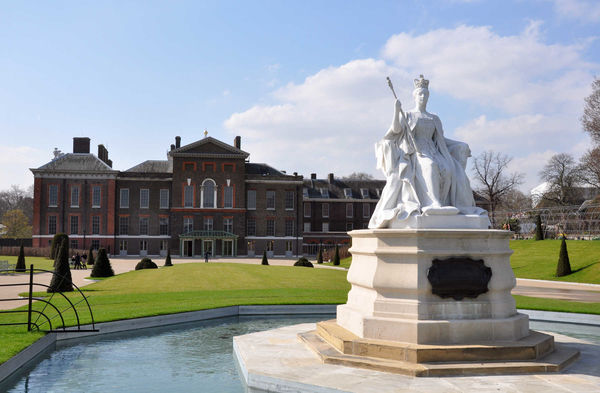 Victoria Statue and Kensington Palace, London, England