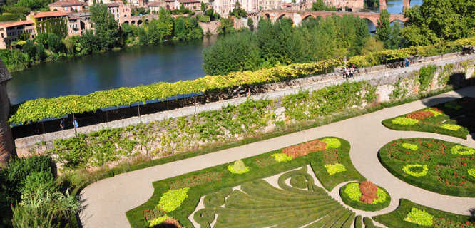 Palais de la Berbie Gardens, Albi, France