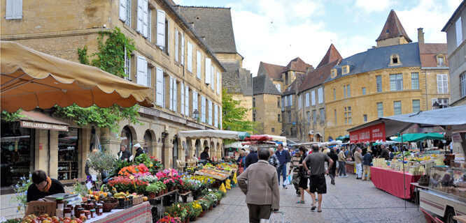 Market day, Sarlat-la-Canéda, France