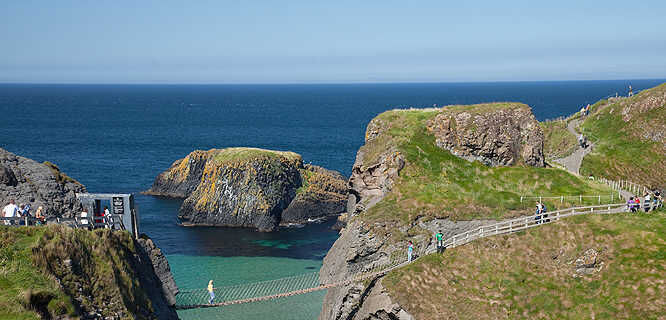 Carrick-a-Rede Rope Bridge, Antrim Coast, Northern Ireland
