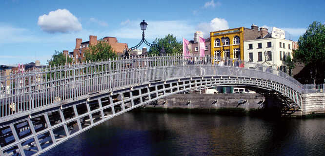Ha' Penny Bridge, Dublin, Ireland
