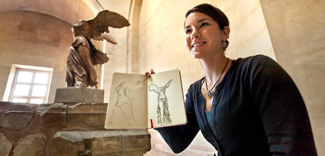 Sketching the Winged Victory of Samothrace at the Louvre, Paris, France