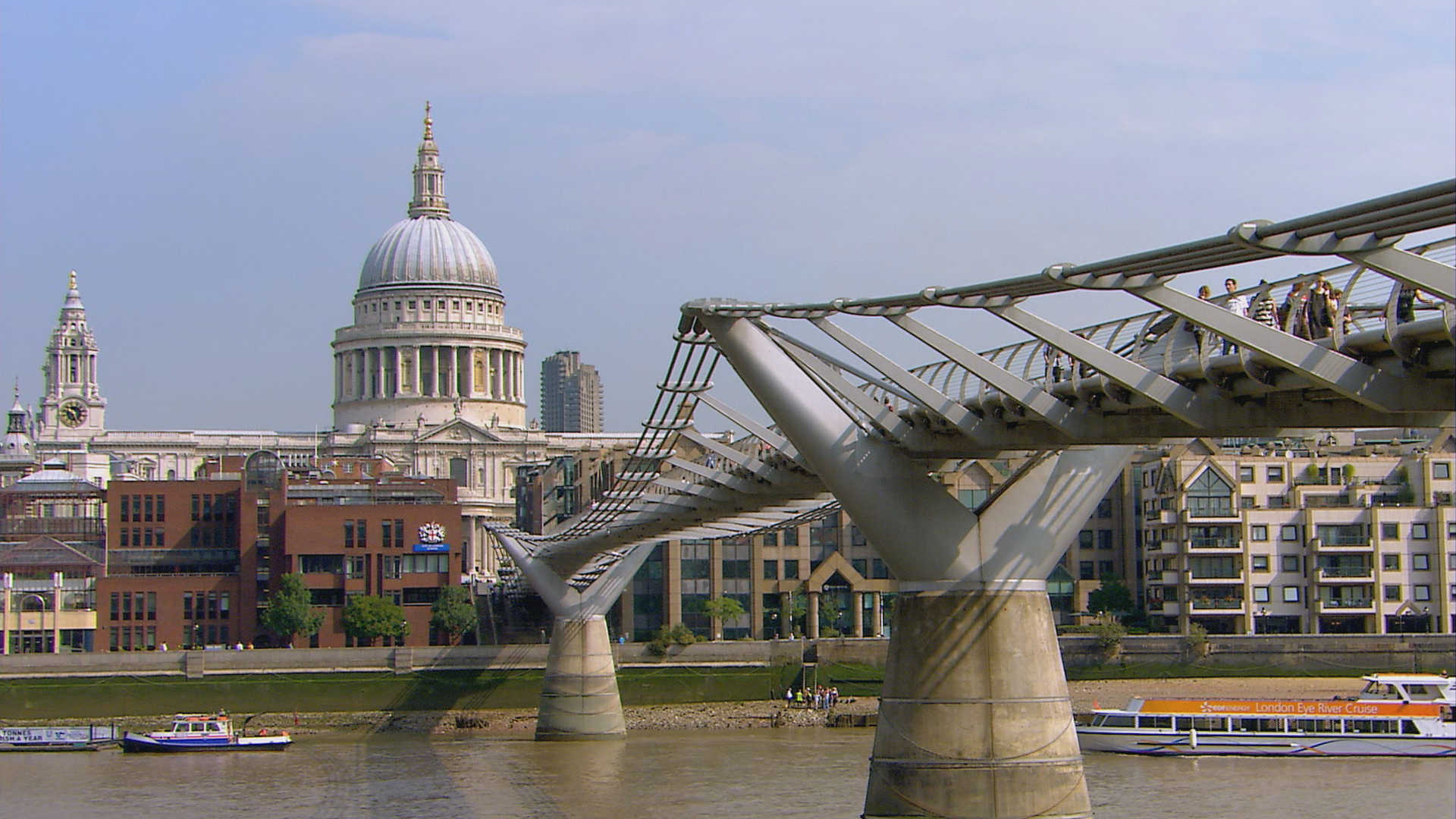 London: The Millennium Bridge