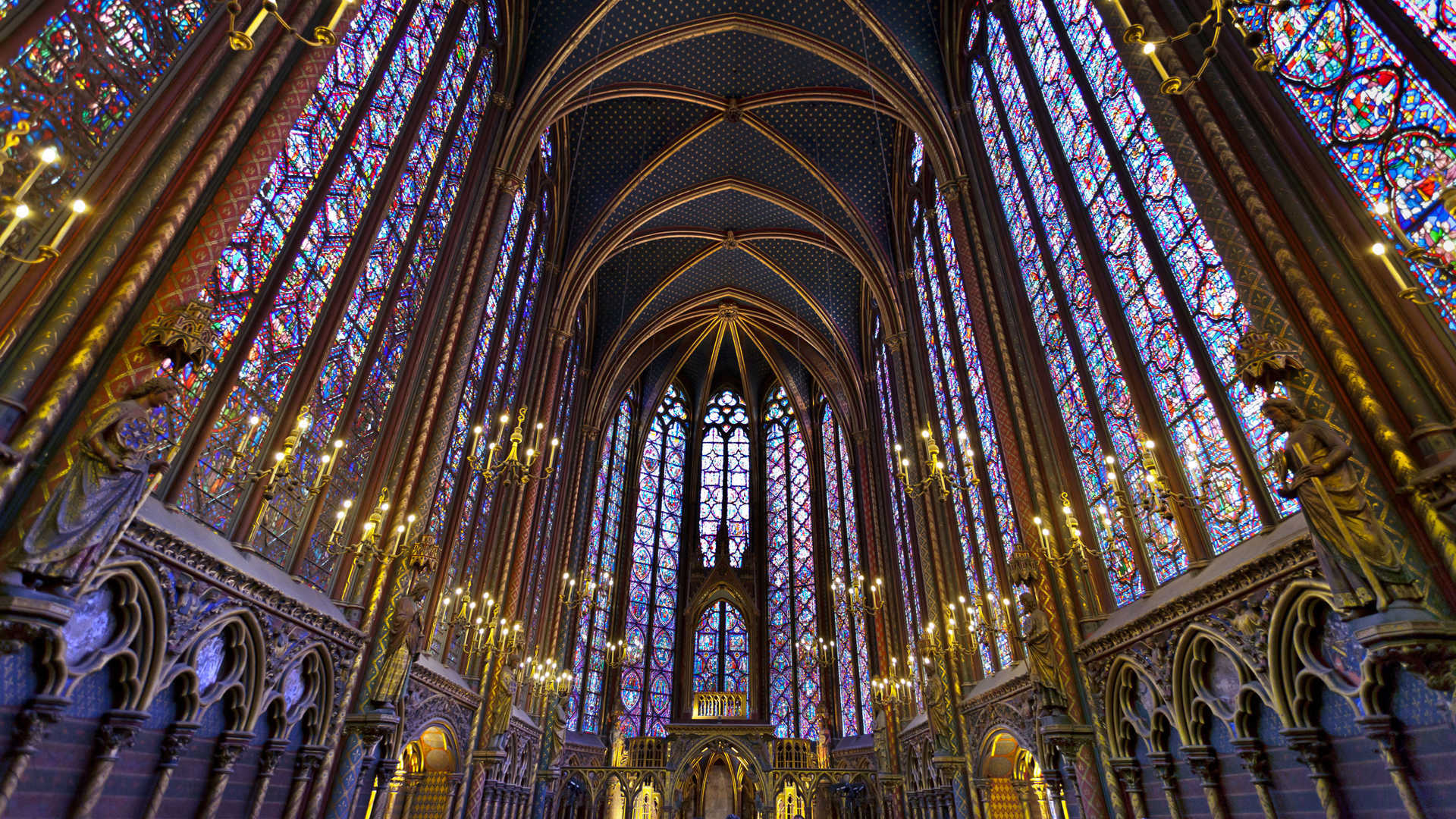 Paris: the interior of St. Chappelle