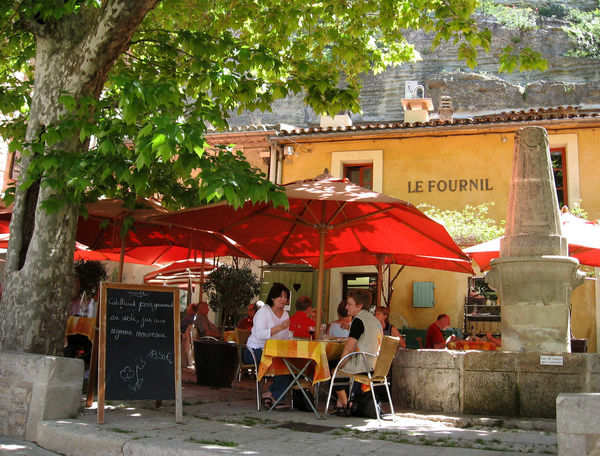 Restaurant in Bonnieux, France