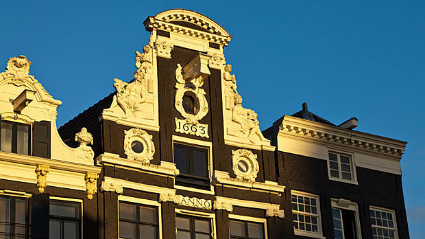 Neck gable, Amsterdam, Netherlands