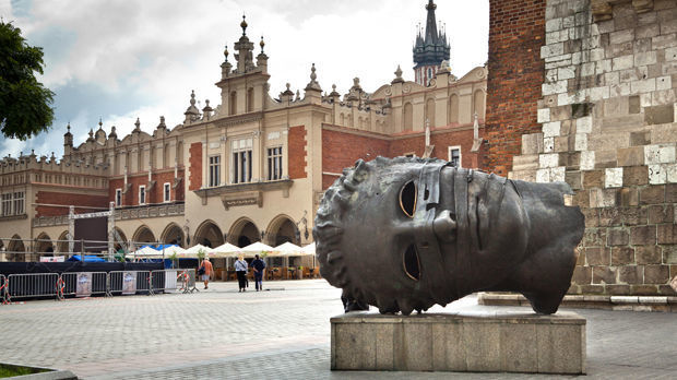 'Eros Bendato' (a.k.a. 'The Head'; Igor Mitoraj), Main Market Square, Kraków, Poland