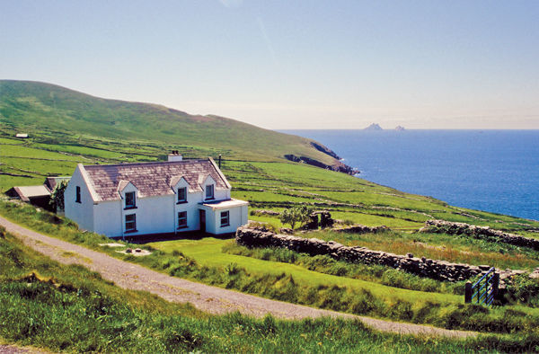 Iveragh Peninsula (Ring of Kerry) with Skellig Michael in distance, Iveragh Peninsula , Ireland