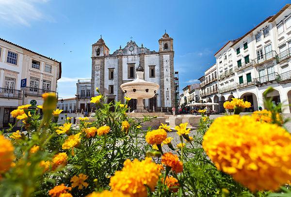 Praça do Giraldo, Évora, Portugal