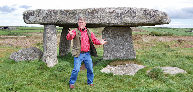 Local guide at Lanyon Quoit dolmen, Penwith Peninsula, England
