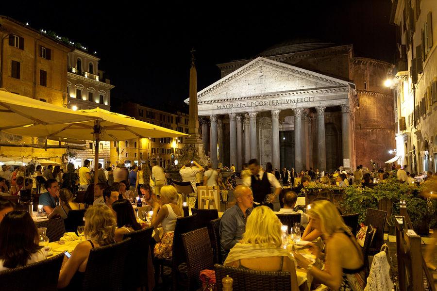 Dining on Piazza della Rotonda, Rome, Italy