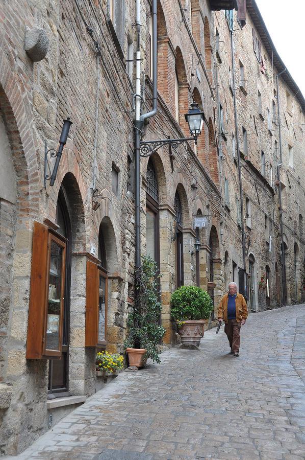 Via Matteotti, Volterra, Italy