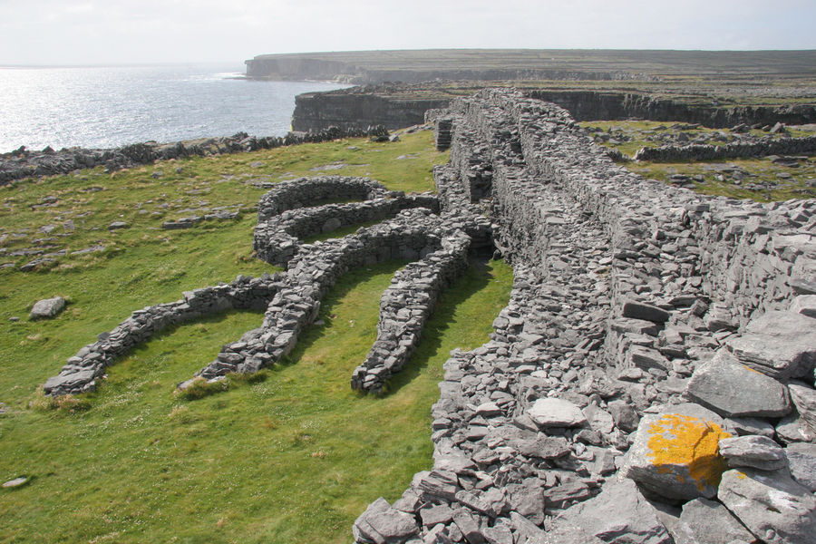 Black Fort (Dún Dúchathair), Inishmore, Aran Islands, Ireland