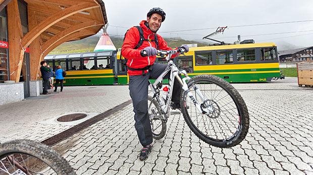 Mountain biker, Kleine Scheidegg, Switzerland