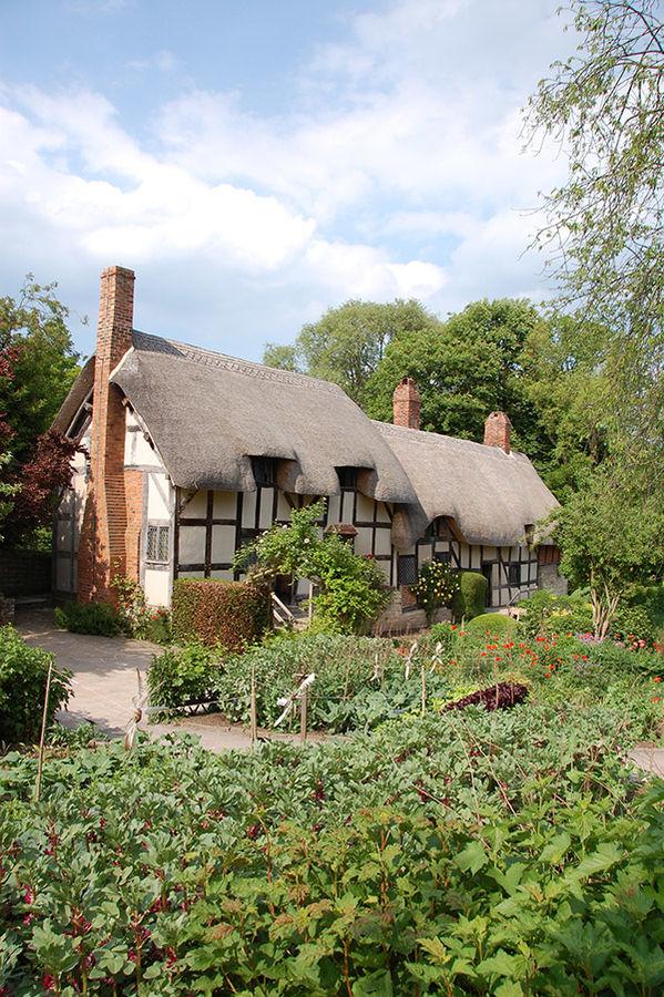 Anne Hathaway's Cottage, Stratford-upon-Avon, England