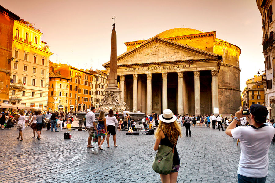 Piazza della Rotonda and the Pantheon, Rome, Italy