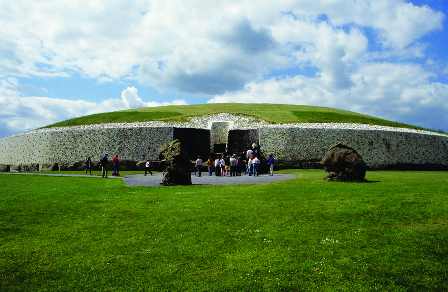 Newgrange tomb at Brú na Bóinne, Boyne Valley, Ireland