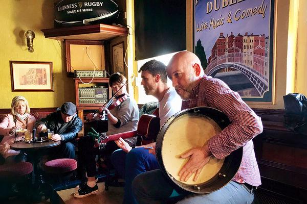 Pub musicians, Dublin, Ireland