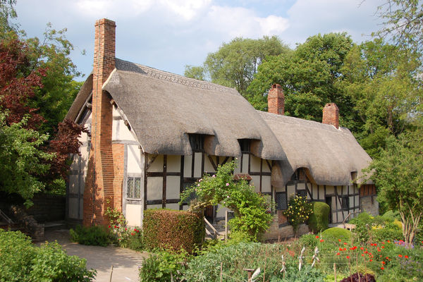 Anne Hathaways Cottage Stratford Upon Avon England