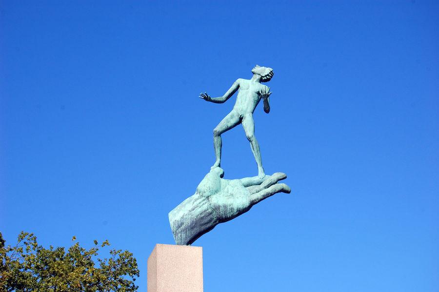 Hand of God (Carl Milles), Millesgården, Lidingö (Stockholm), Sweden