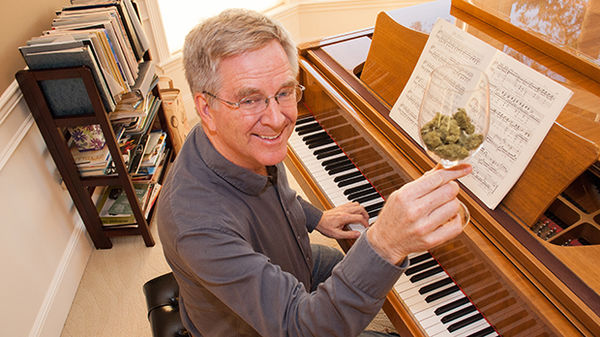 rick-steves-marijuana-bud-glass