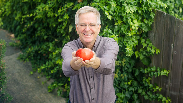 classroom-europe-rick-with-apple