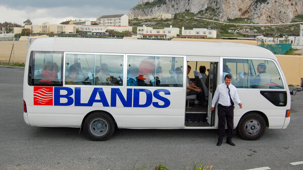 Bland tour van