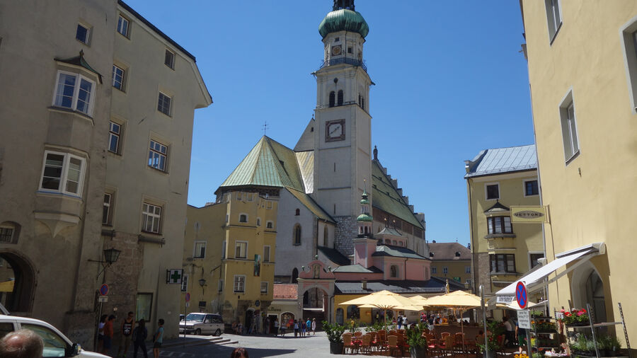 Main square, Hall