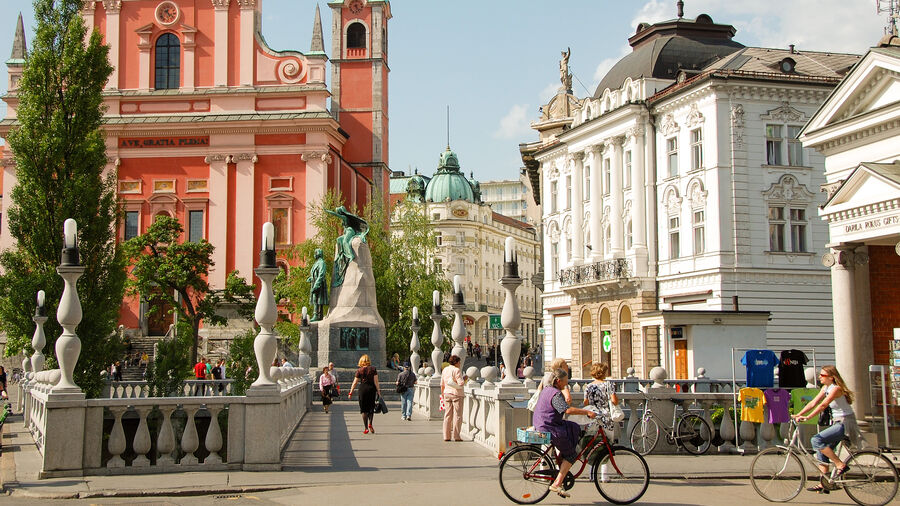 Triple Bridge and Prešeren Square, Ljubljana, Slovenia