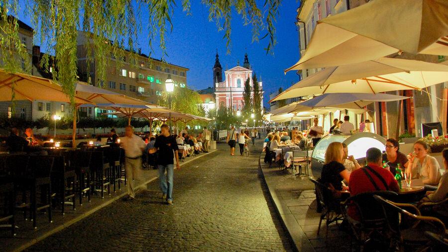 Sidewalk restaurant seating, Ljubljana, Slovenia