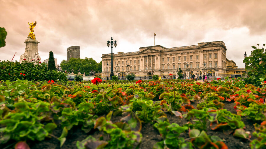 Buckingham Palace and the Victoria Monument, London, England
