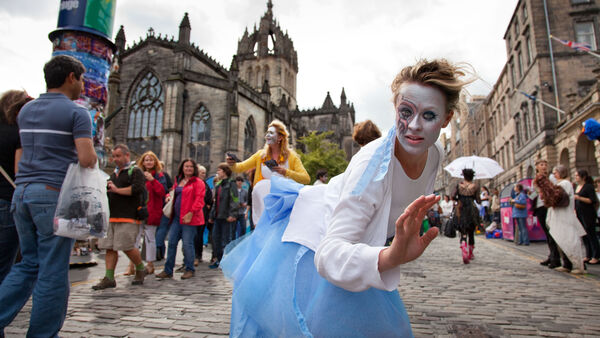 Street performer, Edinburgh, Scotland