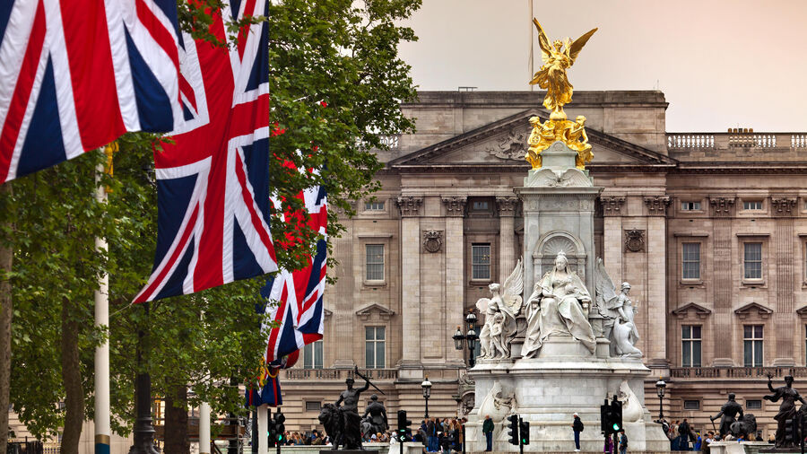 Buckingham Palace and Victoria Monument, London