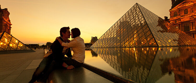 A couple at the Louvre