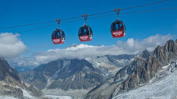 Mont Blanc gondolas